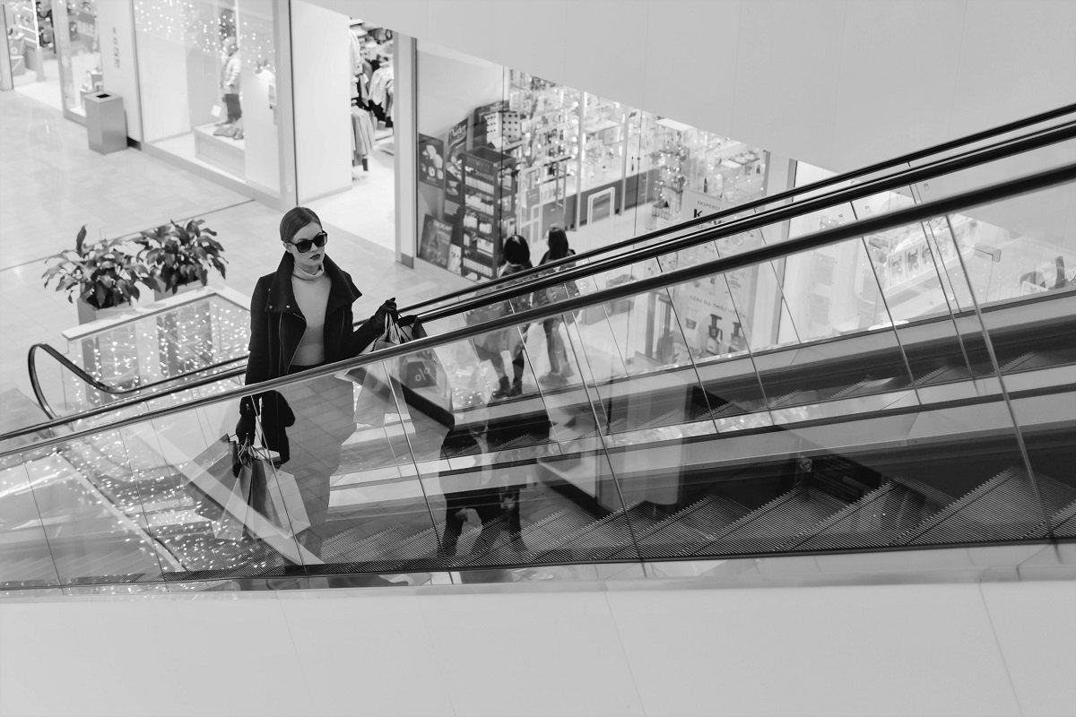CUserssolomPicturesCorinium Imagescustomer shopping