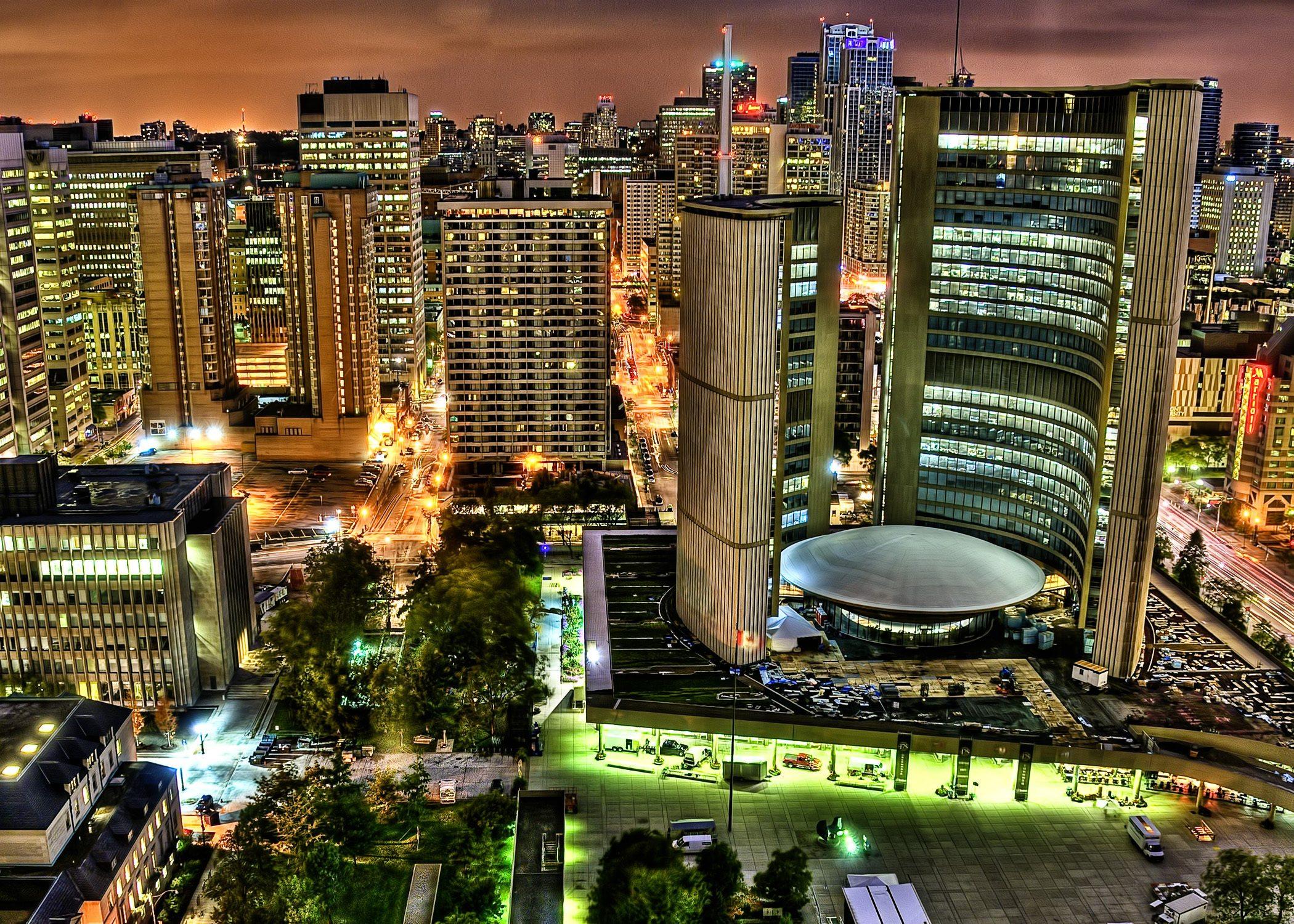 Toronto_city_hall_hdr-e1488189246352-4