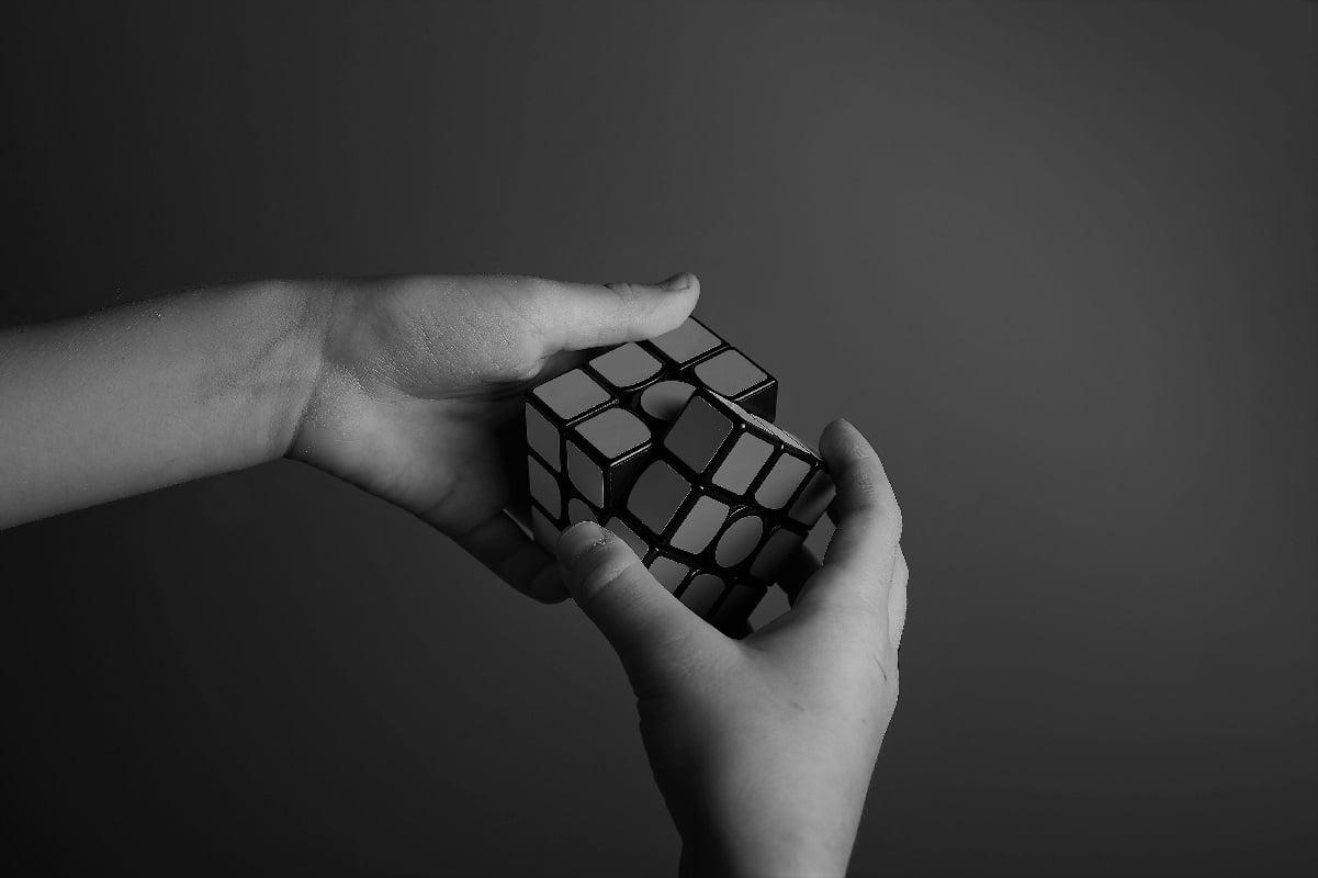 Rubiks cube 1201x800