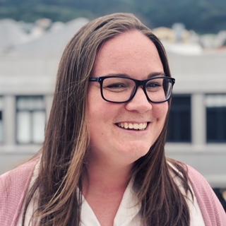 Katie Dowle Headshot 01